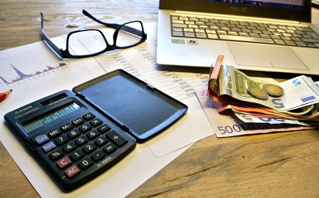 taxes-740202_1280